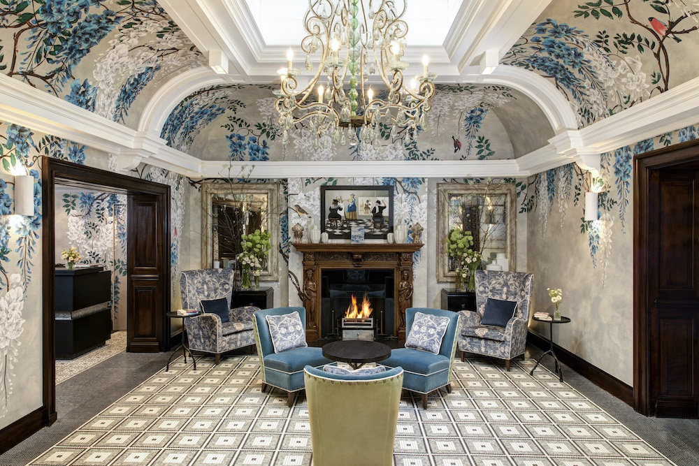Browns Hotel front hall
