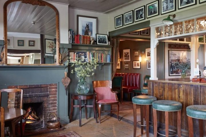Urban guide to the countryside muddy stilettos for The pheasant pub london
