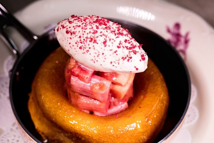 Crown Burchetts Green rhubarb and sponGE pudding with quenelle of cream